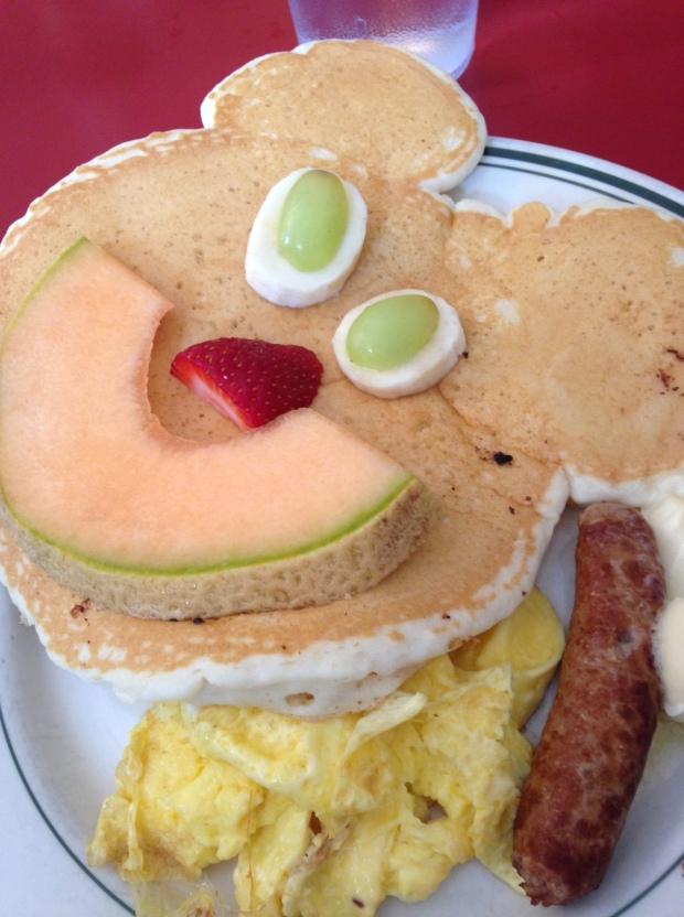 A Niece that orders bear pancakes